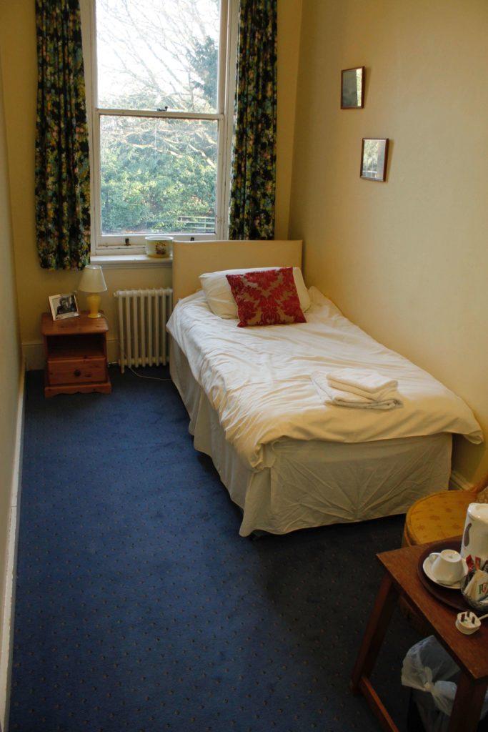 bedroom-4-683x1024